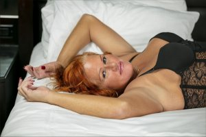 Helianne erotic massage