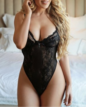 Katyana erotic massage in San Pablo