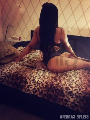 Anne-berengere massage parlor in Brownsburg IN